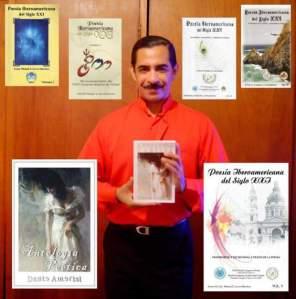 Dante Amerisi con algunos libros editados.
